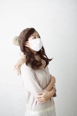寒い マスク 女性